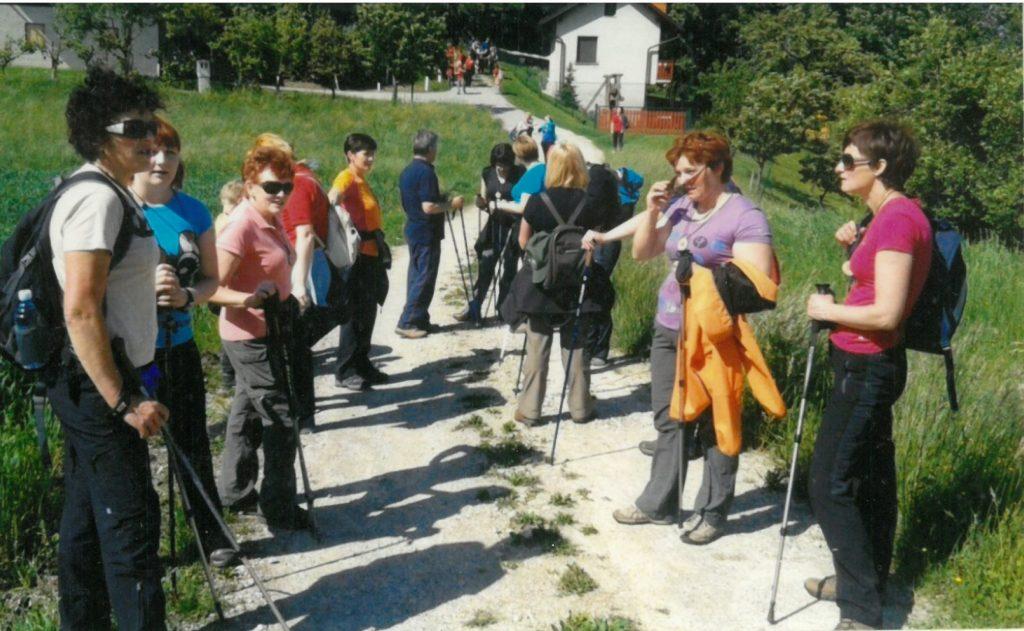 Članice na pohodu GZ Šentjur iz Vodruža na Kalobje