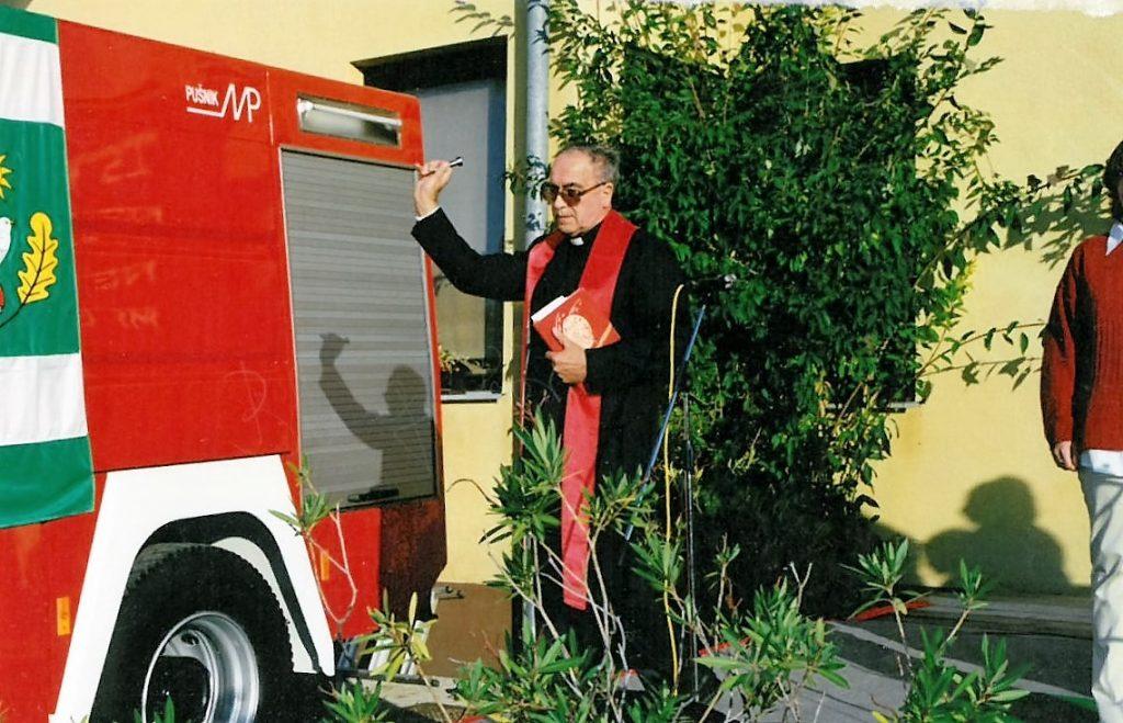 Cisterno je blagoslovil domači duhovnik Milan Zdolšek