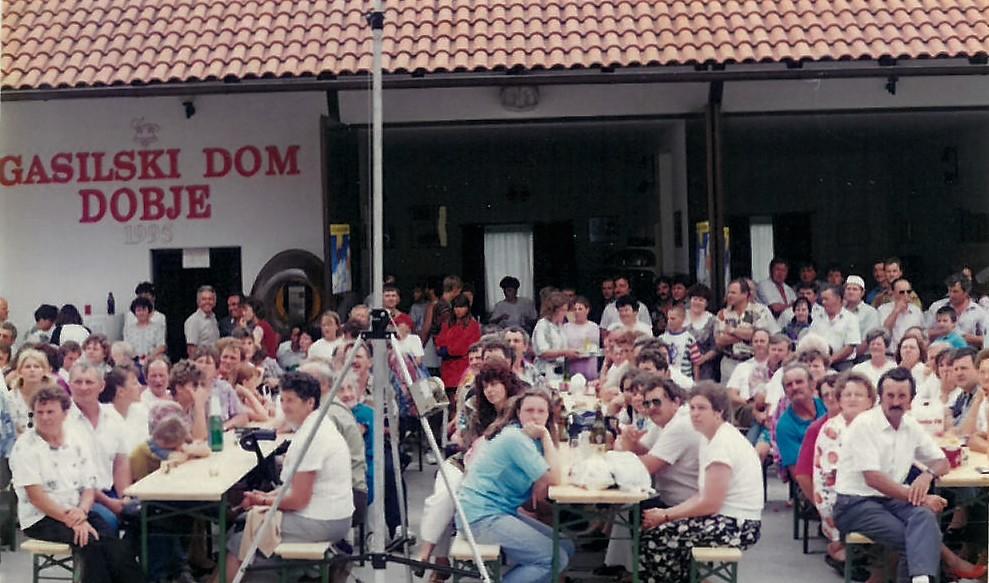 Množični obisk občanov ob 20. obletnici PGD Dobje