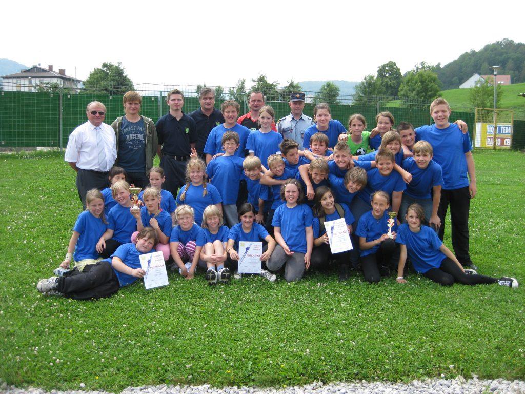 Naši pionirji in mladinci na tekmovanju v Šentjurju, junij 2011