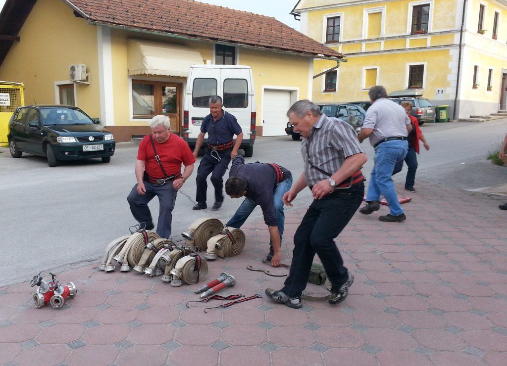 Veterani vadijo za tekmovanje, junij 2015 Na sliki Franc Planko, Alojz Antlej, Janko Gračner, Edi Kovačič, Marjan Tržan in  Tinka Žekar.